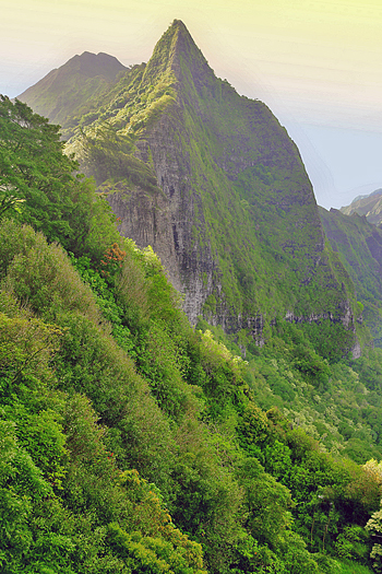 Pali in sunset (an important historical place in Hawaiian history)
