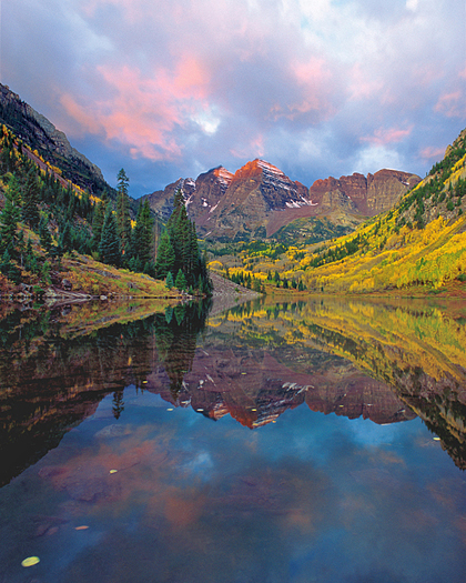 Maroon bells in Fall by Robert Castellino