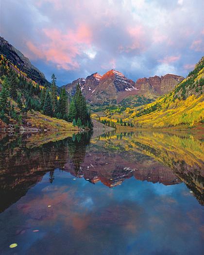 Maroon bells in Fall by Robert Castellino