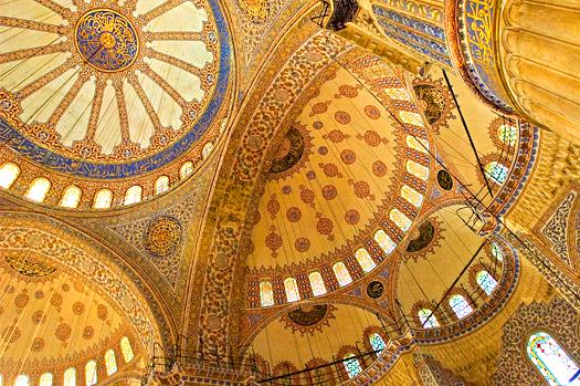 Blue mosque (Sultanahmet mosque) interior. Istanbul, Turkey.