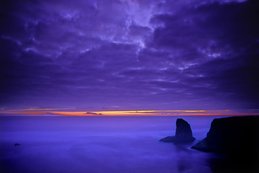 dramatic ocean sunset at bandon beach oregon the pacific northwest of usa north america