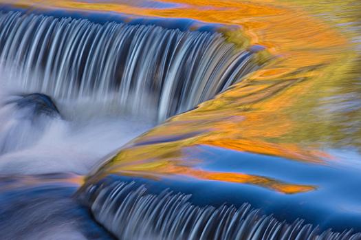 Bond Falls cascade, Michigan's Upper Peninsula, USA